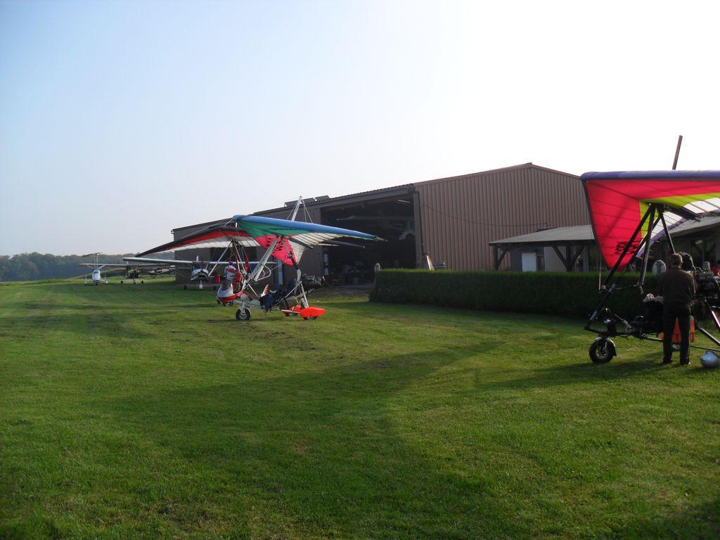 ULM-regio-vieux-ferrette-clubhouse-hangars-01
