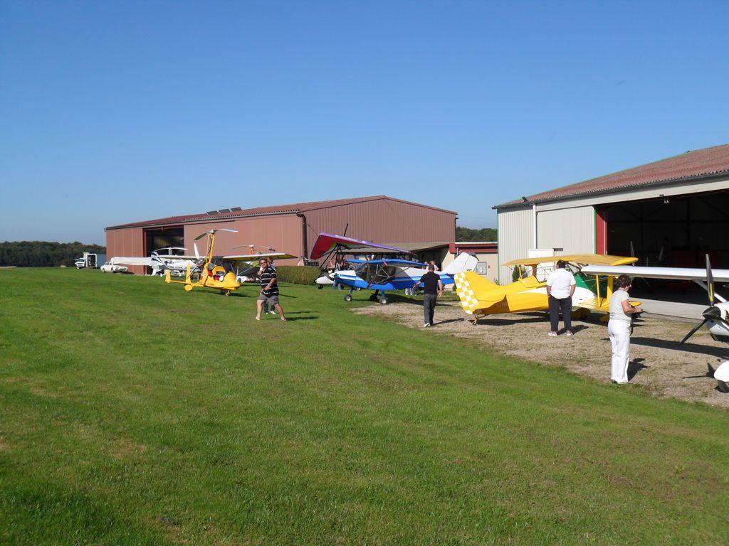 ULM-regio-vieux-ferrette-clubhouse-hangars-04